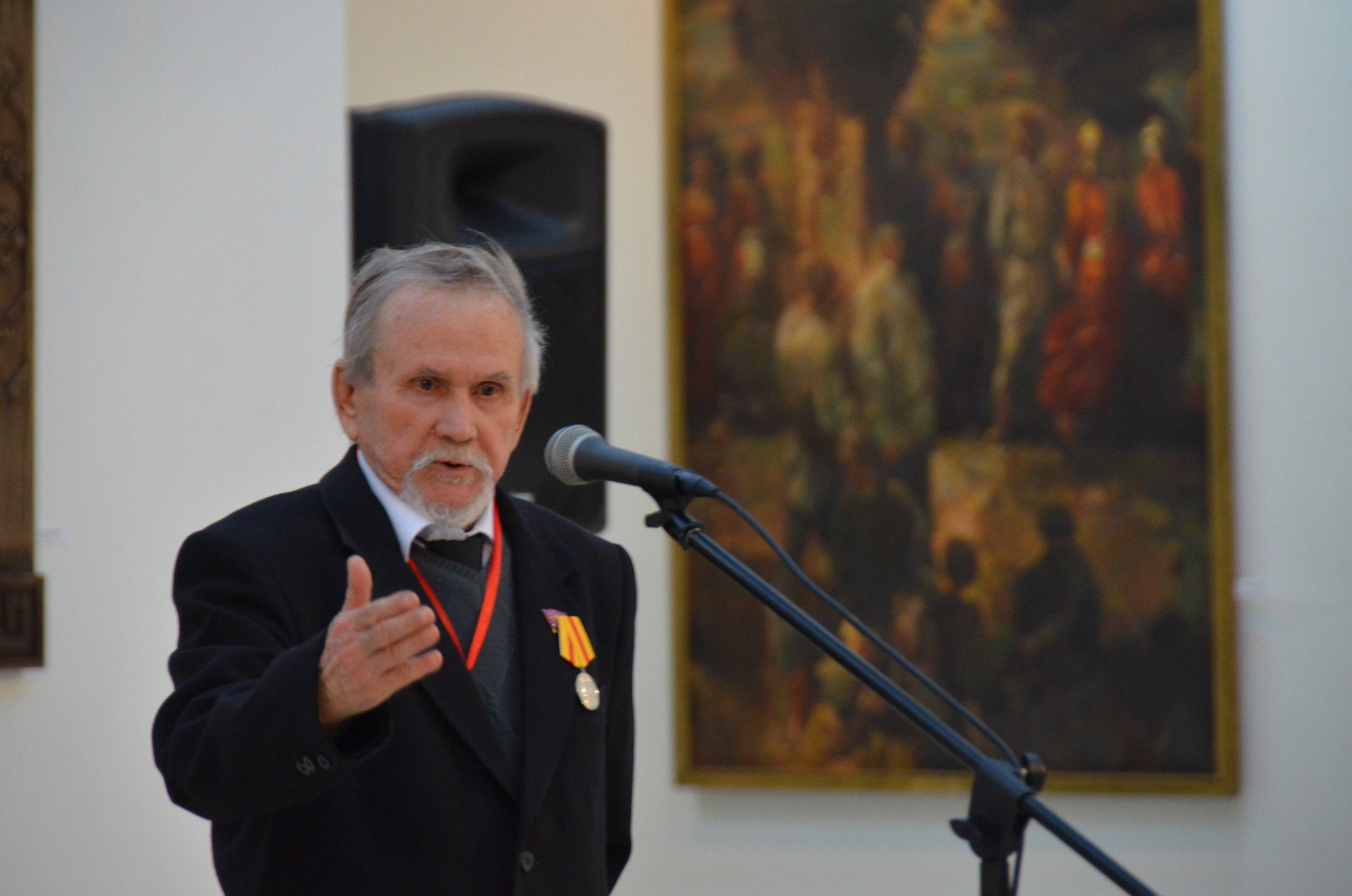 Открылась юбилейная выставка Владимира Агеева